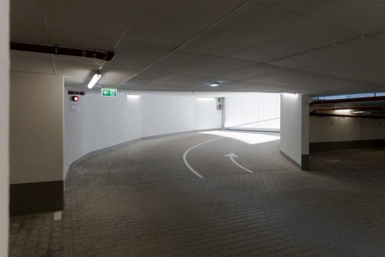 parking subterraneo rampa miciudad 768x512