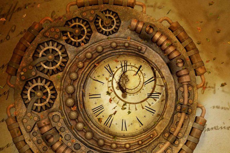 reloj surrealista fantasia miciudad 768x511